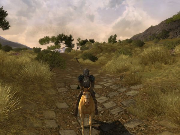 Scrrenshot Lord of the Rings Online, riding through the Lonelands.
