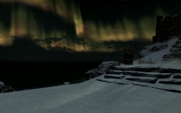 Skyrim - night with northern lights at High Hrotgar